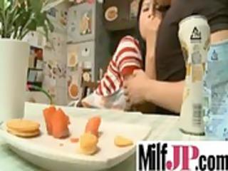 pretty japanese mature babe lady obtain