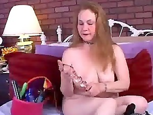 mature young fucks her wet kitty