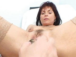 classy mature babe slut obtains her old pussy