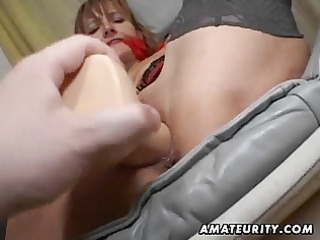 amateur lady takes her anal and kitty toyed with