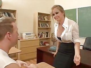 sexy mature babe dyanna lauren gets nude to her