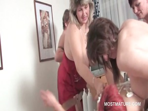 group sex lesbo matures lick pussy and copulate