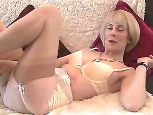 mature nylons bushy vagina play