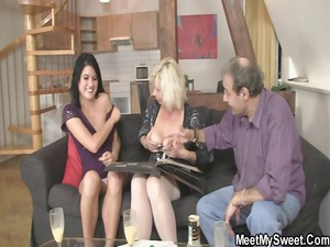 he finds his gf into triple with his parents