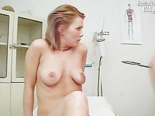 janelle fresh woman having her kitty gyno