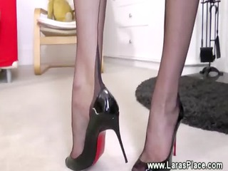 cougar into nylons is driving a cock