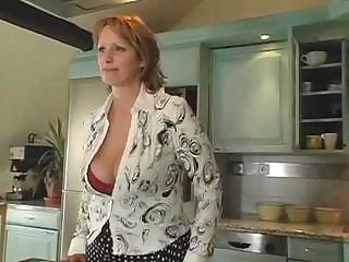 mature babe with huge boobs takes drilled
