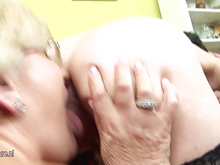 pregnant amateur obtains lezzed up by two older