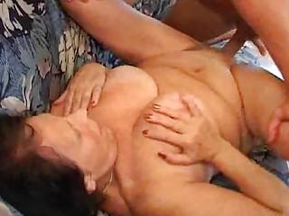 old sure enjoys her porn